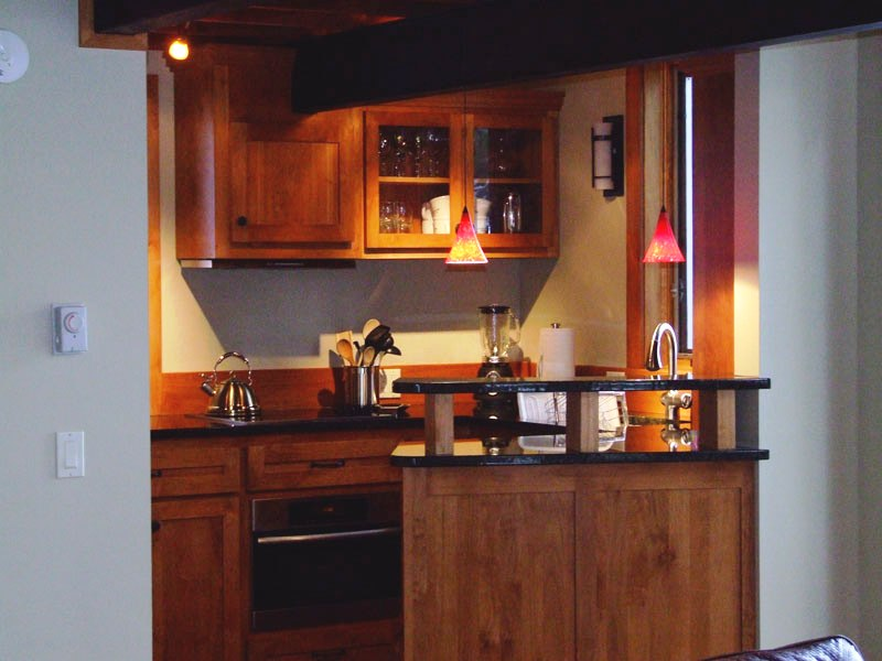 Eureka road lake cabin straight line building design for Small straight line kitchen designs